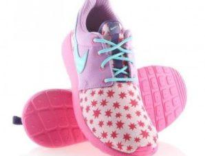 Nike Roshe One Print (GS) W 677784-604 shoes